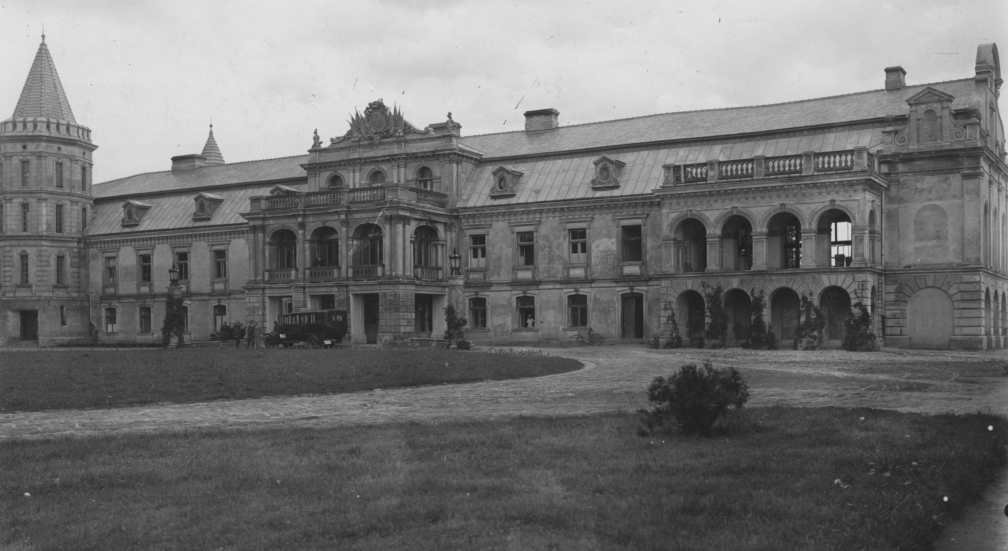 Палаци Волині: казкова Смордва