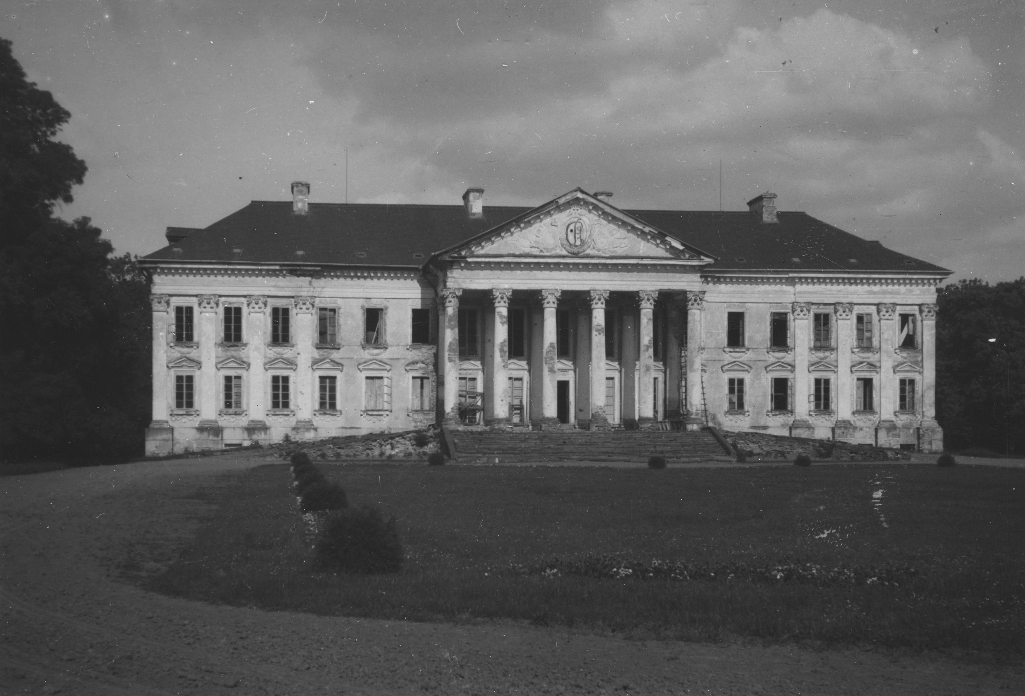 Палаци Волині: зразковий Млинів