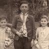 Волинські діти на світлинах першої половини ХХ століття