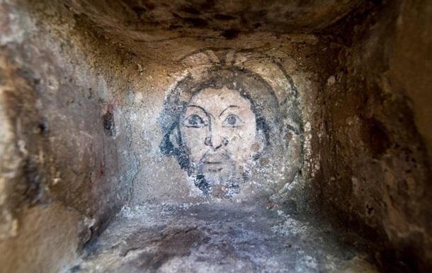 У німецькому місті під час ремонту церкви виявили зображення Ісуса Христа