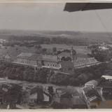 Замок в Олиці на фото, зробленому льотчиками у 1934