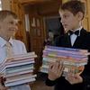 Лучан просять допомогти зібрати до школи дітей із малозабезпечених сімей