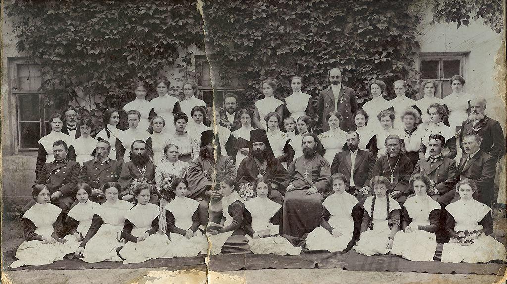 Забутий документ минулого: атестат жіночого духовного училища на Волині 1899