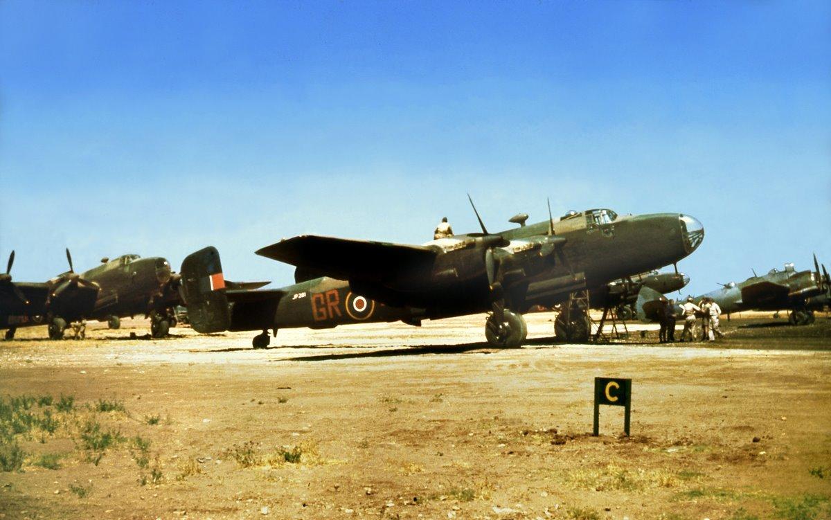 Прихований епізод: британські бомбардувальники у волинському небі