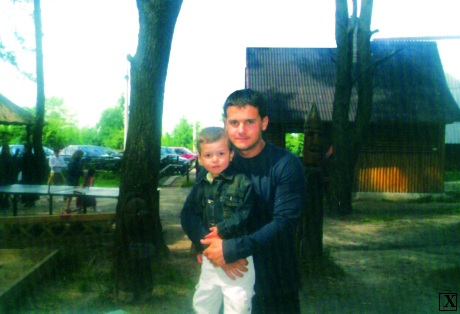 Нині сину Віктору – вже 15 років. Саме його Олександр Товстенюк вважає своїм найкращим другом.
