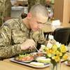 Міноборони обіцяє покращити якість харчування в арміїі