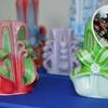 Різьблені свічки, вишивки та вироби з бісеру запрошують оглянути в Ковельському музеї. ФОТО