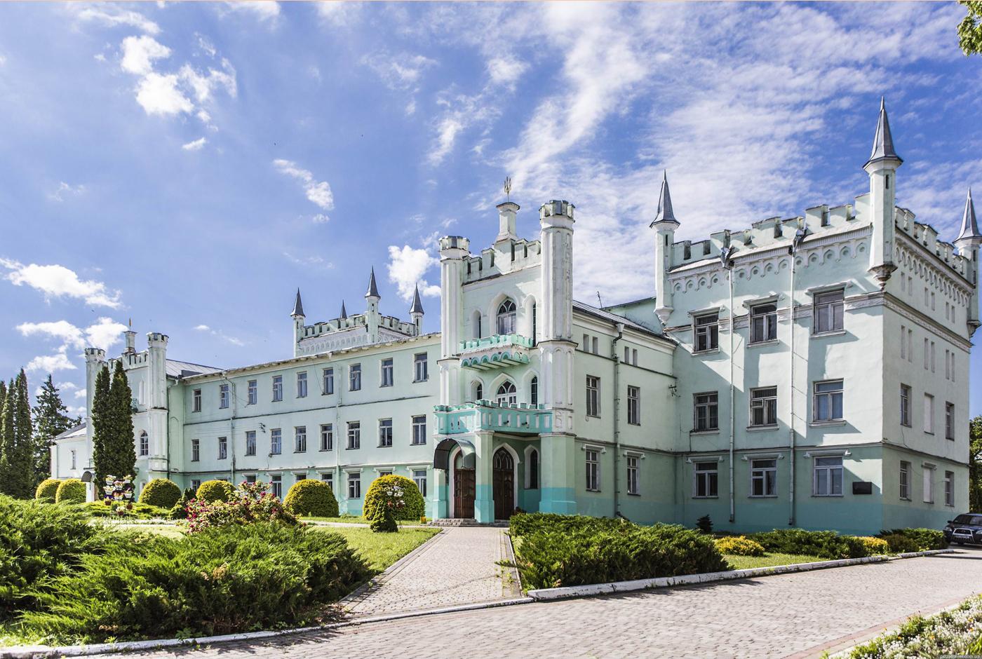 Палаци Волині: казково романтична Білокриниця